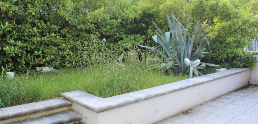 Trilocale con giardino